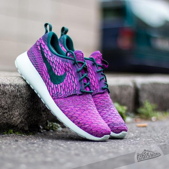 41a82576a05c ... Nike Roshe Run Flyknit